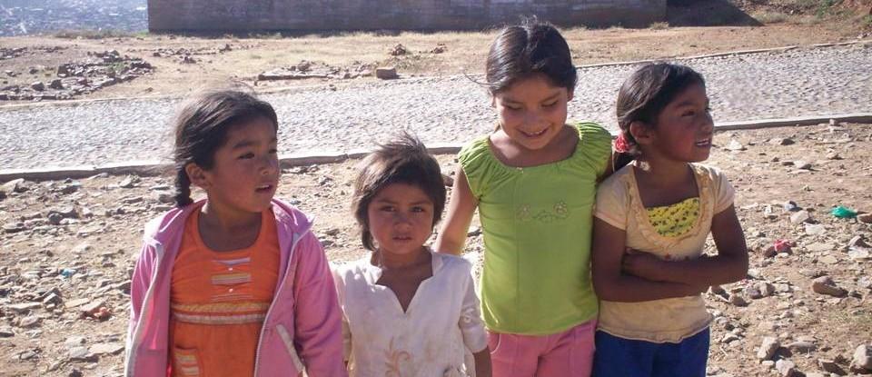 Foto 5_Criancas_BairroLas Lomas_Bolivia